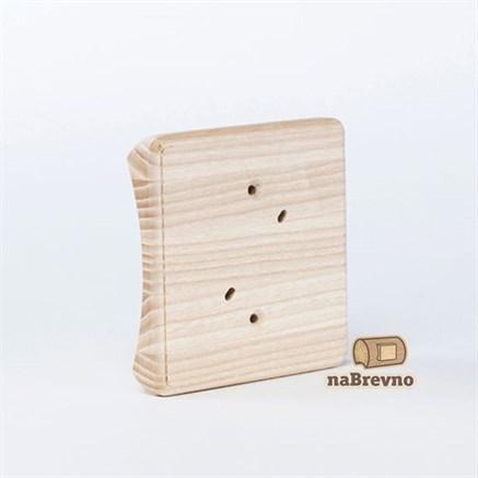 Накладка на бревно квадратная для распределительной коробки до 90 мм.