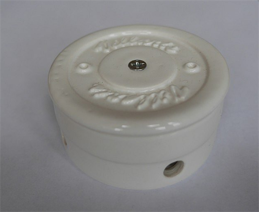 Распаячная коробка Белая D70 Villaris - фото 5230