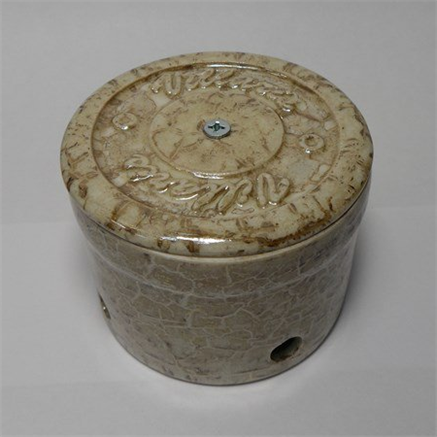 распаячная коробка мрамор